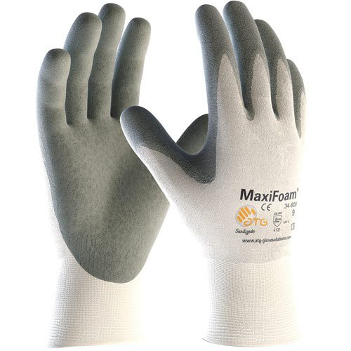 MaxiFoam Premium Gloves are designed to channel oil away.