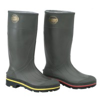Steel toe features yellow trim on outsole, while plain toe boot features red trim.