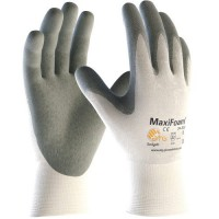 MaxiFoam Gloves are designed to channel oil away.