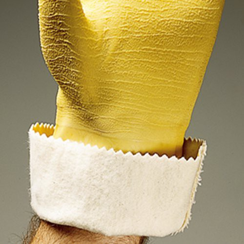 Soft cotton lining absorbs perspiration and makes gloves easy to put on and take off.