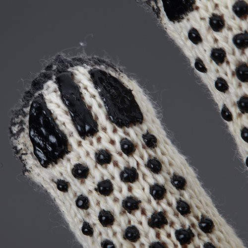 Coated finger tips extend glove life, increase abrasion resistance and durability in a high-wear area.